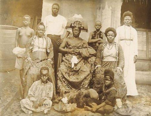 Obá Ovonramwen de Benin e sua família.